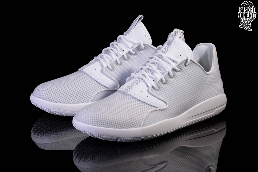 dcbd6c85eda750 NIKE AIR JORDAN ECLIPSE WHITE METALLIC SILVER pour €92