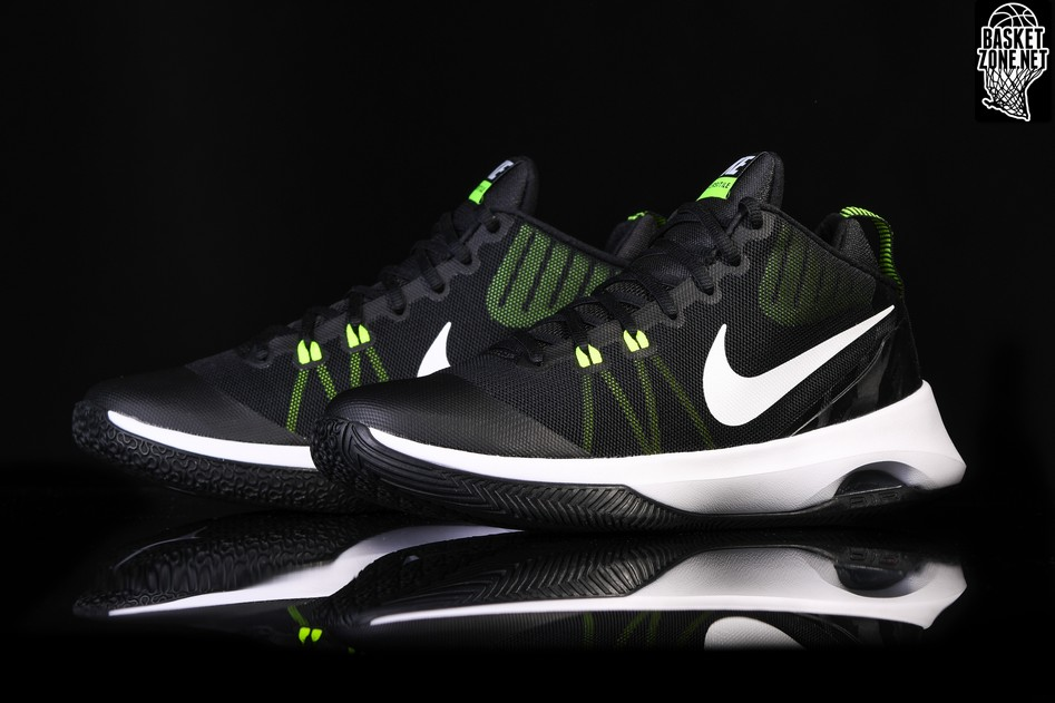 NIKE AIR VERSITILE BLACK WHITE VOLT price €69.00  a7715ddcf