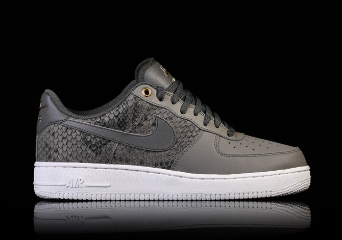 NIKE AIR FORCE 1 '07 LV8 DARK STUCCO price S$147.50