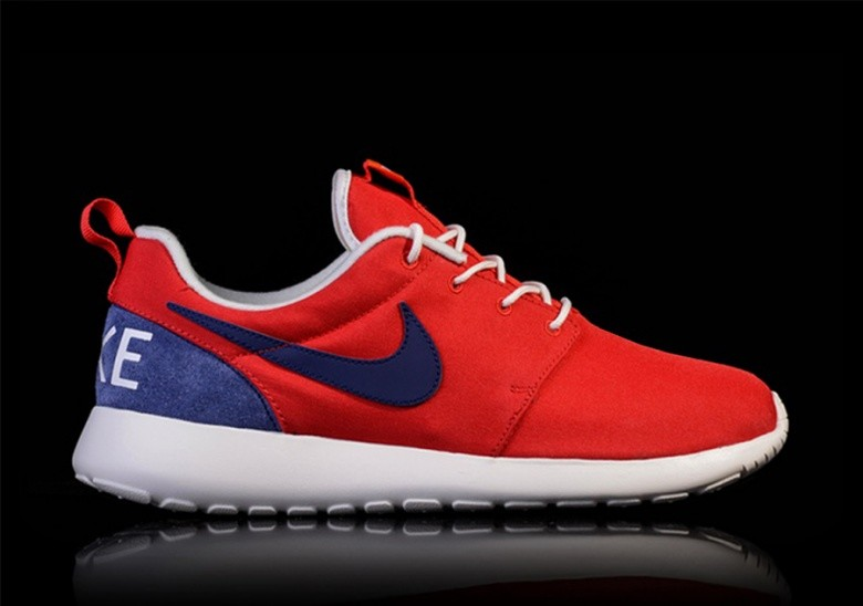 NIKE ROSHE ONE RETRO UNIVERSITY RED/LOYAL BLUE-SAIL