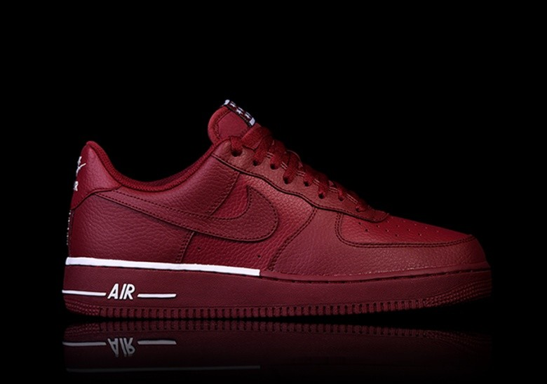 NIKE AIR FORCE 1 '07 TEAM RED