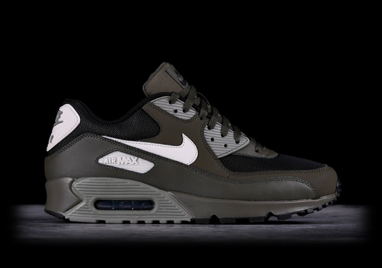 f7943abbd2 NIKE AIR MAX 90 ESSENTIAL CARGO KHAKI pour €117,50 | Basketzone.net