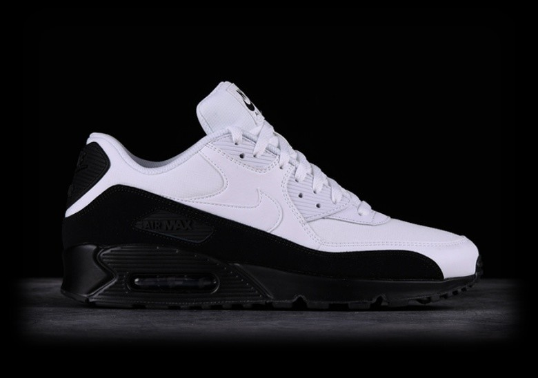 NIKE AIR MAX 90 ESSENTIAL BLACK WHITE voor €122,50