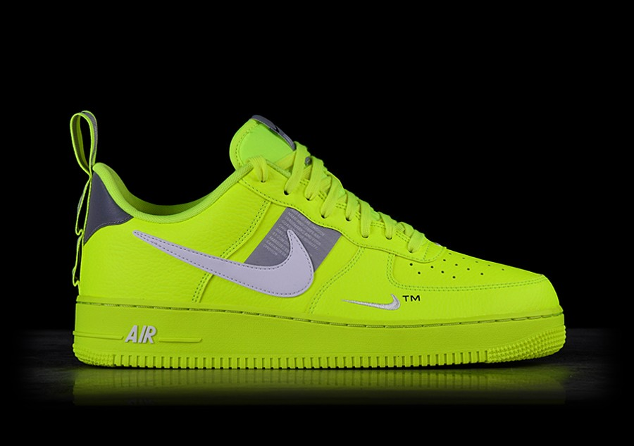 NIKE AIR FORCE 1 '07 LV8 UTILITY VOLT price €112.50 ...