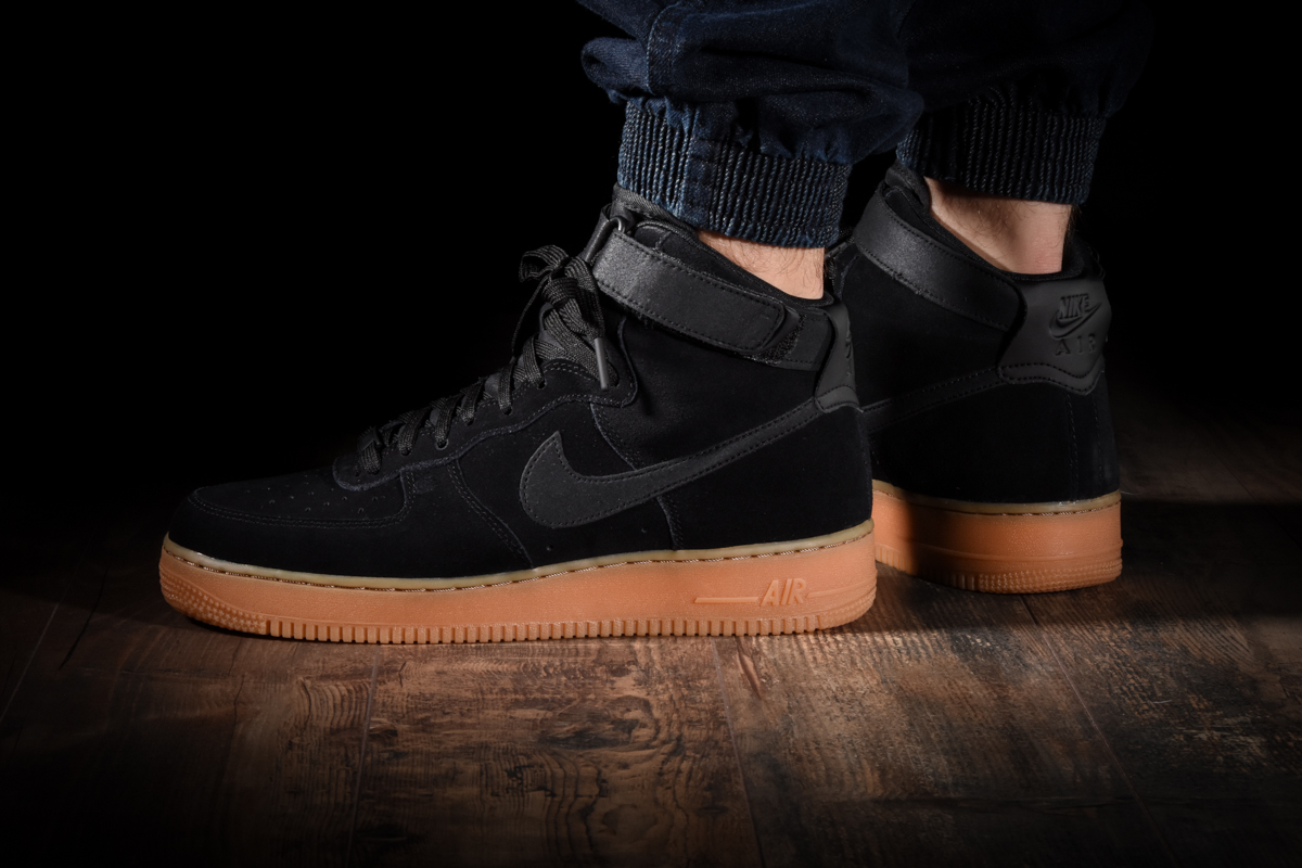 NIKE AIR FORCE 1 HIGH '07 LV8 SUEDE for 125.00fr