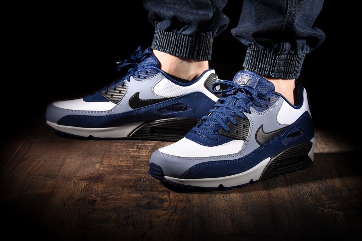 NIKE AIR MAX 90 LEATHER for £120.00 |