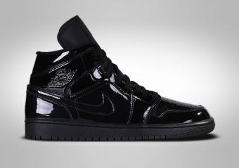 finest selection c1f7e 55748 NIKE AIR JORDAN 1 RETRO MID WMNS BLACK
